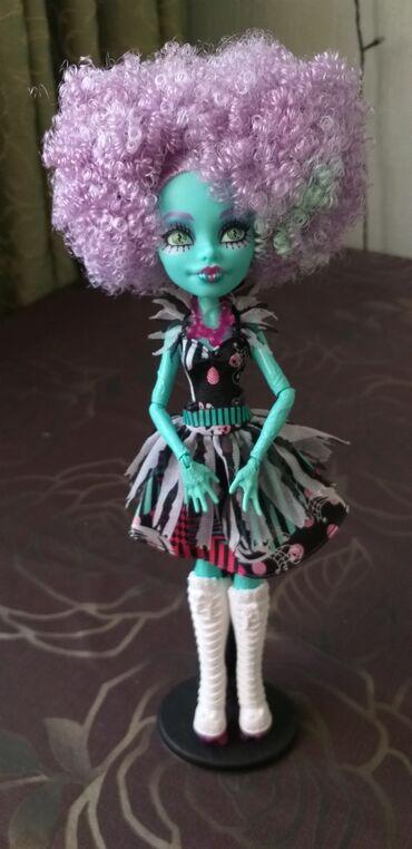 """акустические системы monster колонка сумка в Кыргызстан: Продаю куклу Monster High. Оригинал!Хани Свомп из коллекции """"Freak du"""