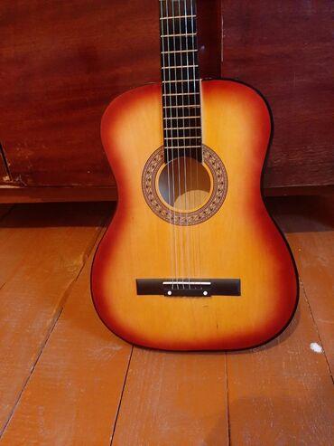 audi-90-16-td - Azərbaycan: Salam. Akustik gitara satıram. 1 aydı alınıb. Heç 5-6 dəfə istifadə