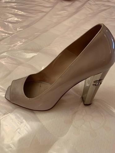 Оригинальные лаковые туфли Шанель в Бишкек