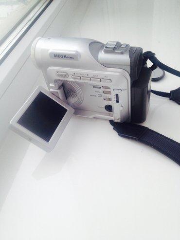Продаю цифровую видеокамеру samsung в Бишкек