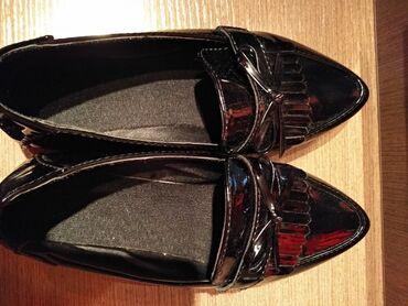 Продаю туфли, размер 38, лаковые, б/у состояние отличное. За 350сом