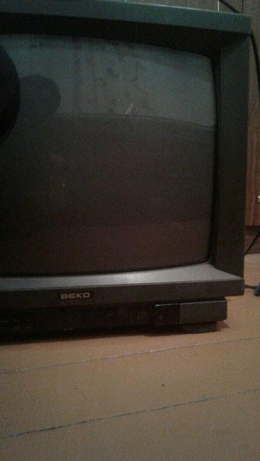телевизор века в Кыргызстан: Очень срочно Продаю телевизор Веко работает отлично санарип не подключ