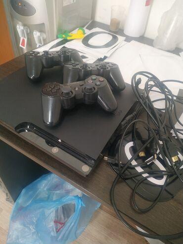 skachat muzhskuju odezhdu dlja sims 3 в Кыргызстан: Sony Playstation 3Продаю игровую консольНе клубная, пользовались сами