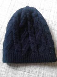 Dve dečije kape ,rukavice ženska kapa - Zrenjanin