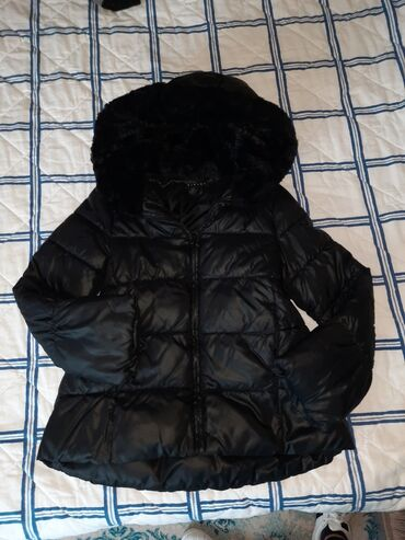 Sisley - Srbija: SISLEY jakna za devojcicu 7/8 KAPULJACA POSTAVLJENA KRZNOM . VEOMA