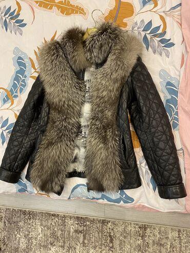 Куртка из натуральной кожи со вставками из чернобурки. Рукава съемные