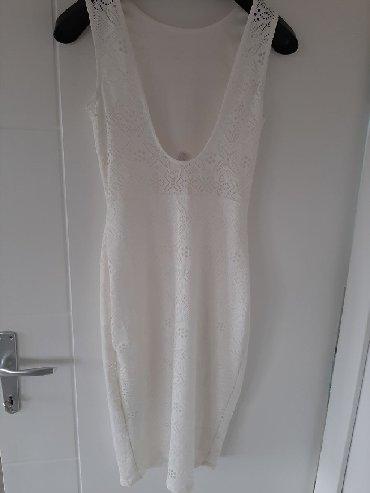 Haljine - Sremska Kamenica: Divna uska haljina,obučena 2 pura,bez ikakvog oštećenja,otvorena na