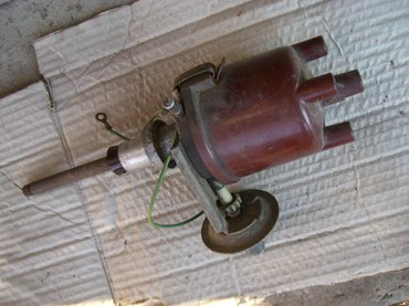 Karburator za peglicu u odlicnom stanju.  Anlaser - stari tip , - Uzice