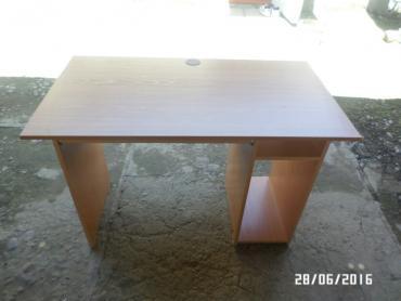 Продаю компьютерный стол новый , есть доставка в Бишкек
