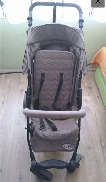 Plisani sako za sportsku eleganciju - Srbija: Kolica sa garancijom (Puerri) - Za bebe i stariju decu do 15kg-