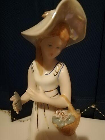 Figura - Srbija: Prelepa figurina Iz Francuske  Porcelan 1000