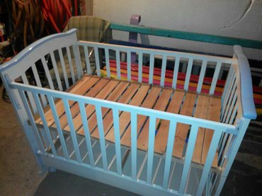 sweet home 3d biblioteki kuhonnoj mebeli в Кыргызстан: Продаю детскую кроватку,цвет белый, окантовка сиреневая.в отличном