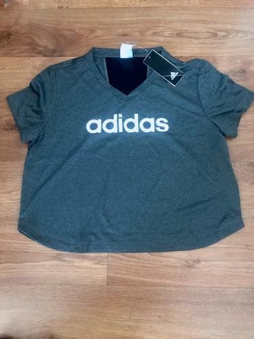 Женская одежда в Чаек: Новая футболка Adidas. Оригинал. Размер S