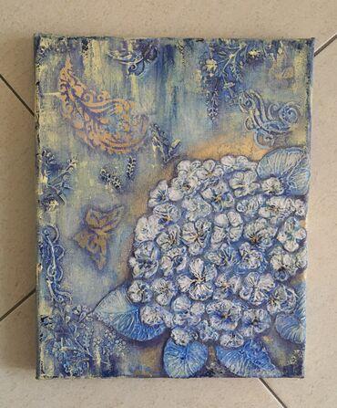 Панно «Голубая гортензия», выполнено в техниках Mixed Media на холсте
