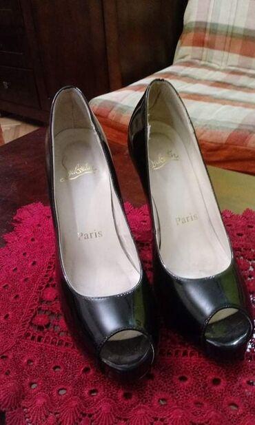 Ženska obuća | Beograd: Sniženo Christian Louboutin cipele, lakovane, broj 38
