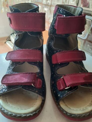 Детские ортопедические сандали кожаные, носились в качестве сменной