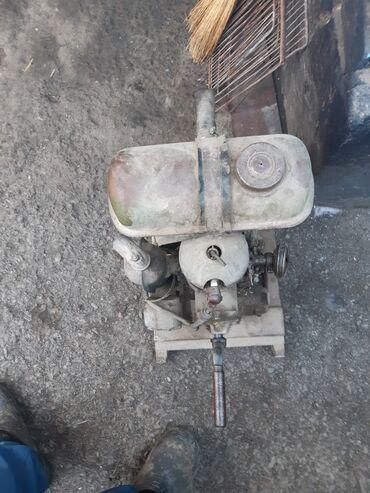 Водный транспорт - Кыргызстан: Продаю мото помпа для воды .завели и льётся вода с орыка или конала