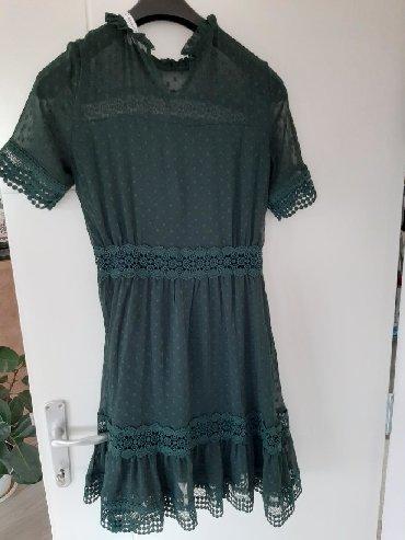 Haljine - Sremska Kamenica: Haljina jednom obučena,divan model prelepo stoji svakom