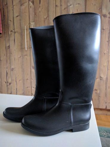 Gumene Italijanske čizme broj 38 crne, nošene jednom. - Palic - slika 2