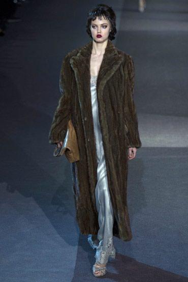 Продаю шубу песец макси капучино, модель Louis Vuitton в Бишкек