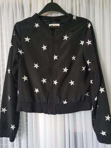Dečije jakne i kaputi | Negotin: H&M DEČIJI DUKS. Kratak crni duks, laganog materijala poput svile