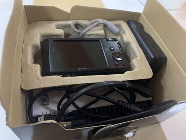 cyber shot sony в Кыргызстан: Продаю фотоаппарат,видеокамеру Sony cyber-shot в иделальном состоянии