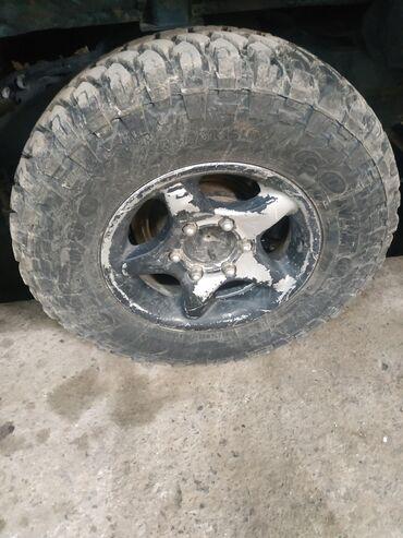 Продаю шины Comforser cf 3000 235/75R15 на дисках состояние новые