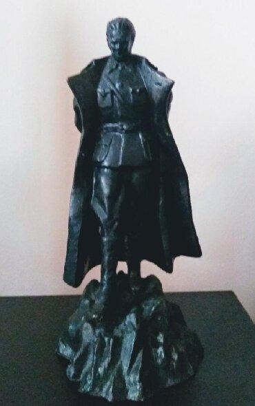 Ostalo | Boljevac: KIP,, Tita,, . Kip je visok 33 cm a težak 3,5 kg. Livnica čelik