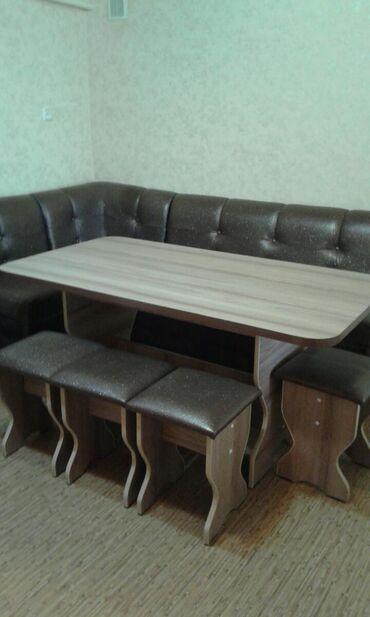 продам кухонный стол in Кыргызстан | СТОЛЫ: Продаю мягкий кухонный уголок.Прошу 18т сом. Можно отдельно стол с