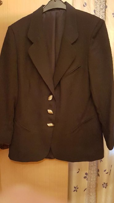 Zlatne baletamke - Srbija: Zenski sako sa dugmicima zlatne bojenov,strukiran,teget boja,iz