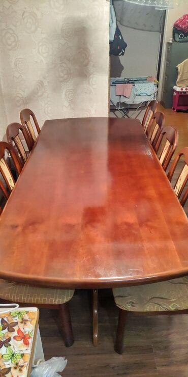 стол и стулья для гостиной в Кыргызстан: Продаю стол на 12 персон со стульями, куда тозгонго самый раз, для