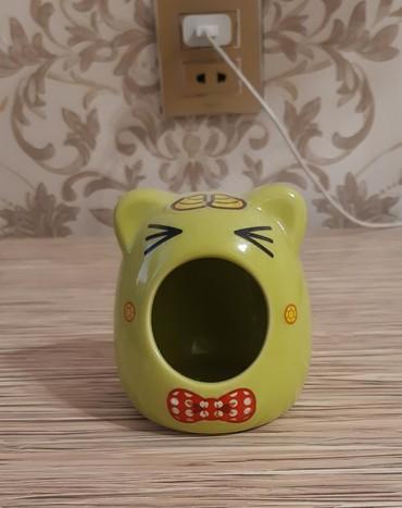 домики для кошек в Азербайджан: Маленький керамический домик для хомяка. Цена 5манатов.Xomyak üçün