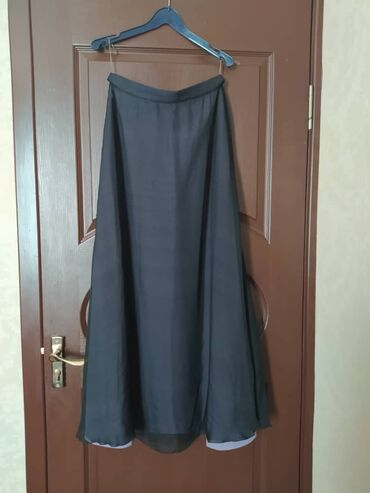Женская макси юбка шелк. Демисезон. Размер 44-46. 4500 сом