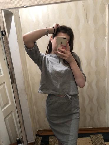 Трикотажную двойку - Кыргызстан: Продаю двойку юбочка+кофта. Качество отличное, без пятен, без катышек