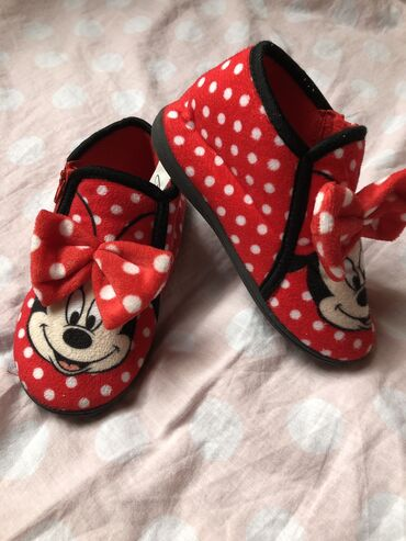 Patofne Minnie maus 26 obuvene samo dva tri puta