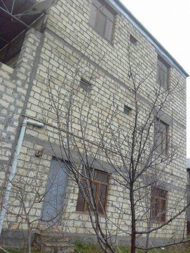 Gəncə şəhərində Gence bagmanda 3 mertebeli villa tam remontlu kombi 165000 razilashma