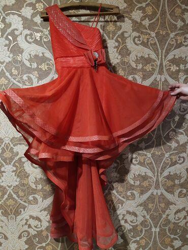 Коктейльное платье со шлейфом  На ребёнка 10-12 лет Турецкое  1500 сом