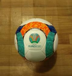 İdman və istirahət Ceyranbatanda: Futbol topu:2020 Avropa Çempionatının topu.5 nömrə(Tikişsiz,lazer