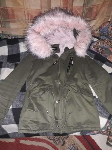 Prelepa jakna sa velikim krznom L velicine. - Novi Sad - slika 2