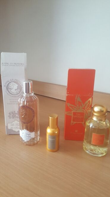 Продаю парфюм из Франции 100% маленький флакон. В розовой упаковки.В