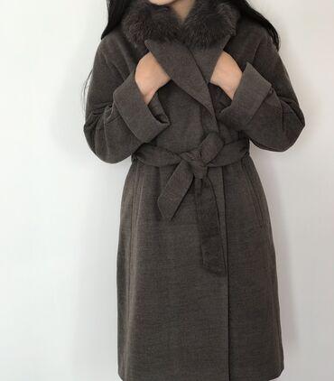 Пальто лама натуралка, мех песец, абсолютное новое, размер 46