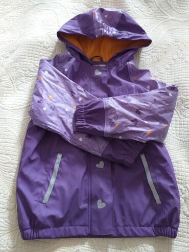 Деми куртка девочковая на 4-6 лет,из Европы, состояние отличное 450