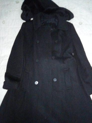 Zenski konfekcijski - Srbija: Ženski kaput,skroz dug,konfekcijski broj 40,u dobrom stanju,neostećen