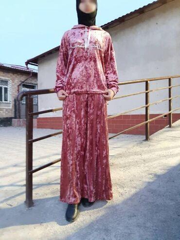 Костюм юбка с кофтой ткань ломанный велюр хорошего