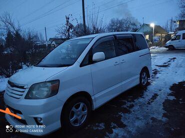 Toyota Noah 2 л. 2003 | 220000 км