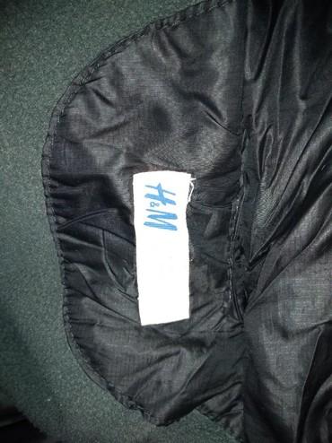 Dečija odeća i obuća - Knjazevac: HM zimska jakna vel.128 nošena jednu sezonu