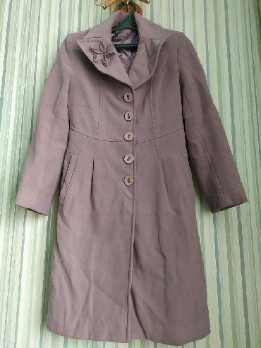 приталенное пальто в Кыргызстан: Пальто фирмы Loreta, Турция, покупала за 8000с, размер 38 по нашему 44