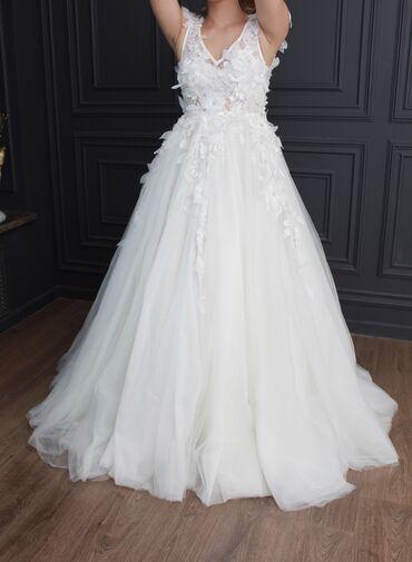 Продаю Свадебное Платье  Покупала у Анвара Турдубаева, платье полность