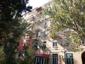 audi 80 dəyişirəm - Azərbaycan: Mənzil satılır: 3 otaqlı, 80 kv. m