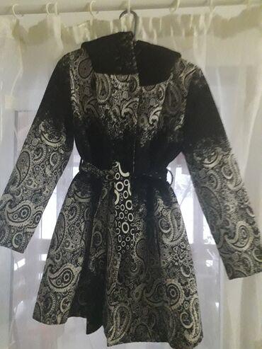 Crna haljinica vise - Srbija: Kaput 40 veličina,neoštećen